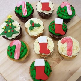 Photo-Christmas-Cup-Cakes-2016