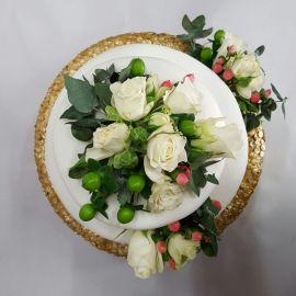 Photo---Engagement-Cake-top