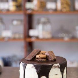 Layered-Butter-Cream-Chocolate-Drip-Cake